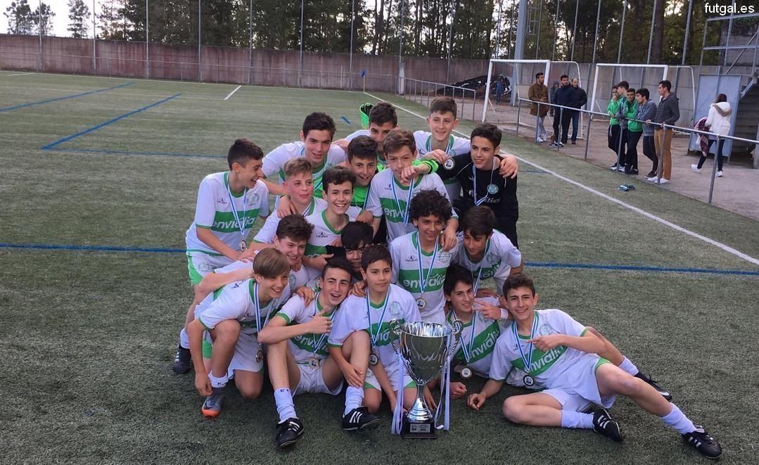 """O Infantil """"A"""" levouse a Copa Galicia"""
