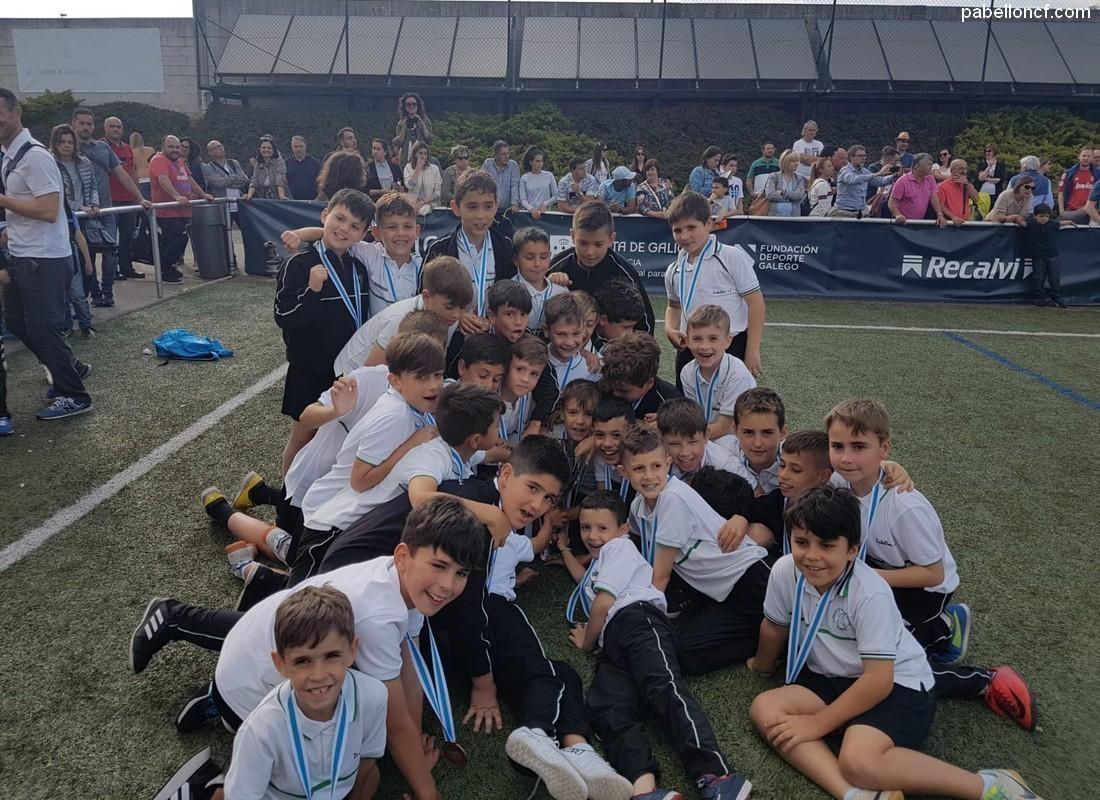 Fútbol 8 / Deron todo nas fases galegas